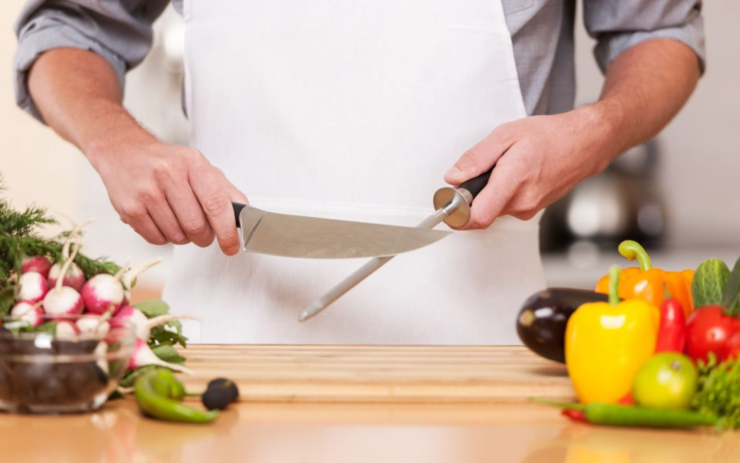 3 Signs Your Kitchen Knives Need Sharpening!