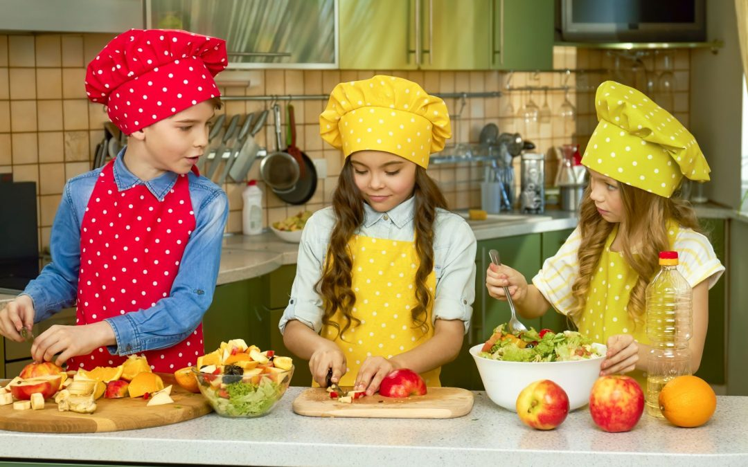 A Guide to Introducing Your Child to Helping in the Kitchen