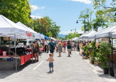 Farmers Market Tents Where You Can Get Mobile Knife Sharpening Services